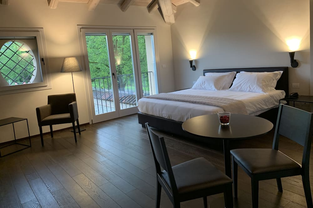 Grand Room - Guest Room
