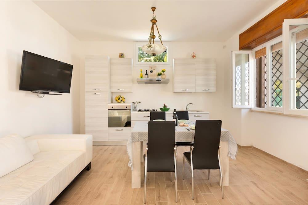 Comfort House, 2 Bedrooms - Living Area