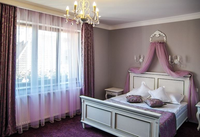 4Cardinal's, Brasov, Premium Double or Twin Room, Living Room