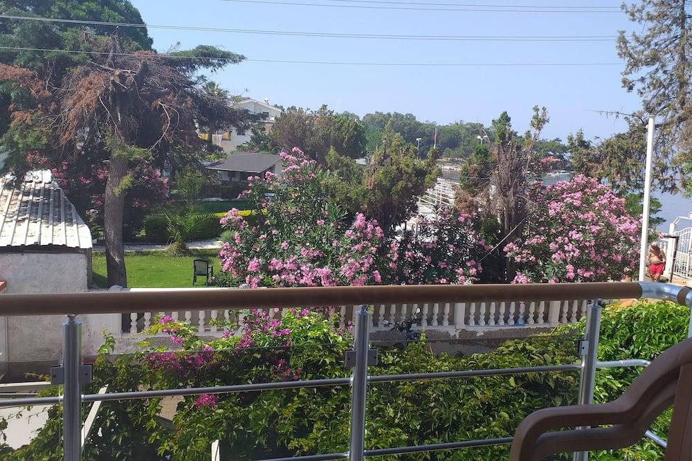 Chambre Triple Standard - Vue depuis le balcon