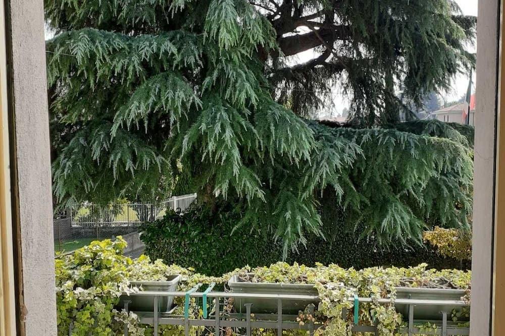 Номер с 2 односпальными кроватями - Вид на сад