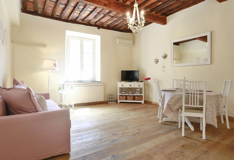 Appartamento Sally by Vacation in Lucca, Lucca, Apartment, 1 Bedroom, Living Area