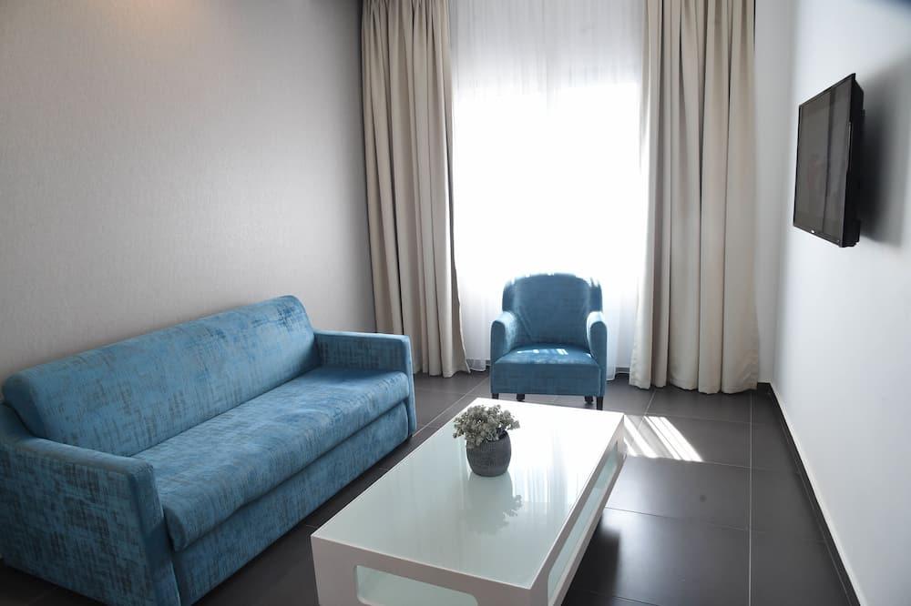 Two-Bedroom Suite - Dzīvojamā zona