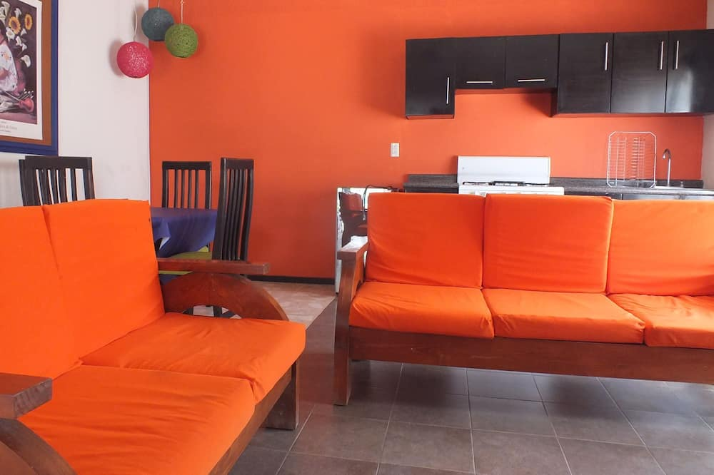 Rodinná chatka, viacero postelí - Obývacie priestory