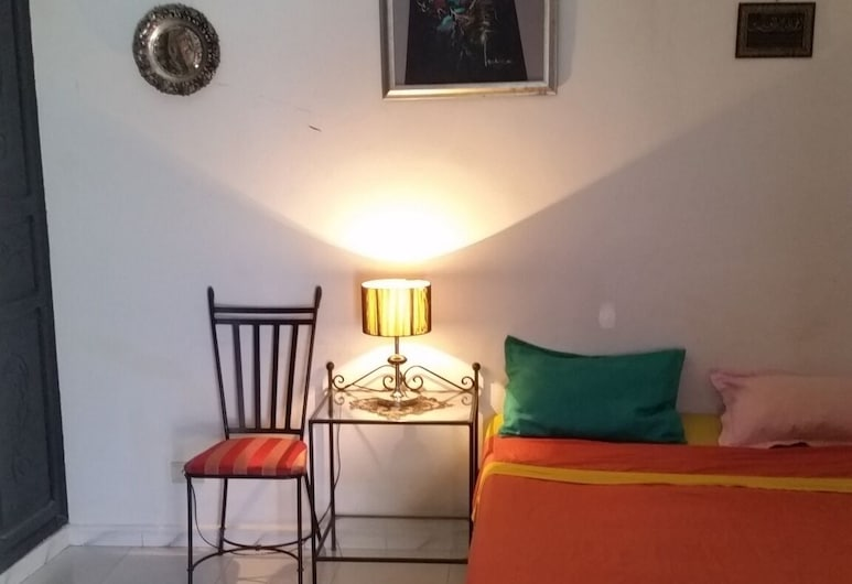 Nice Private Room Furnished With air Conditioning, Tunis