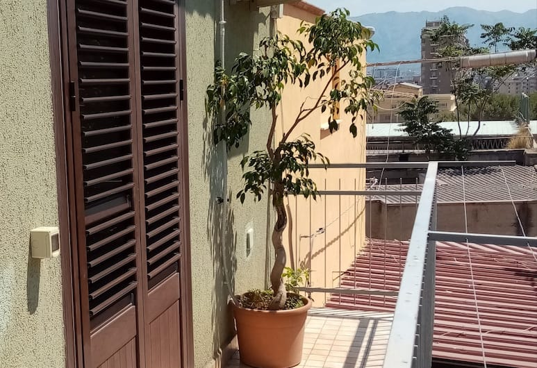 Home Santa Rosalia, Palermo, Comfort Apartment, 2 Bedrooms, View from room
