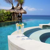 Luxury Villa, 5 Bedrooms, Non Smoking, Beach View - Private pool
