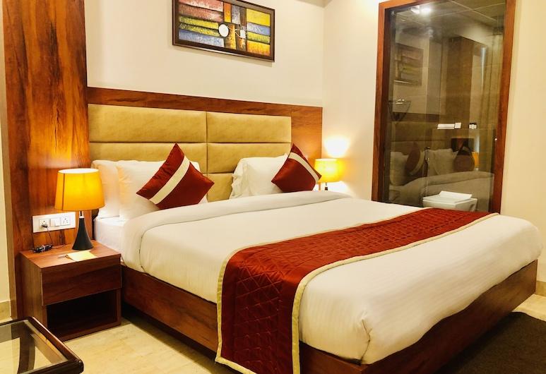 Red Crown Hotel, New Delhi