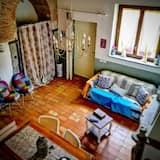 Apartment, 2 Bedrooms (Chigi) - Living Area