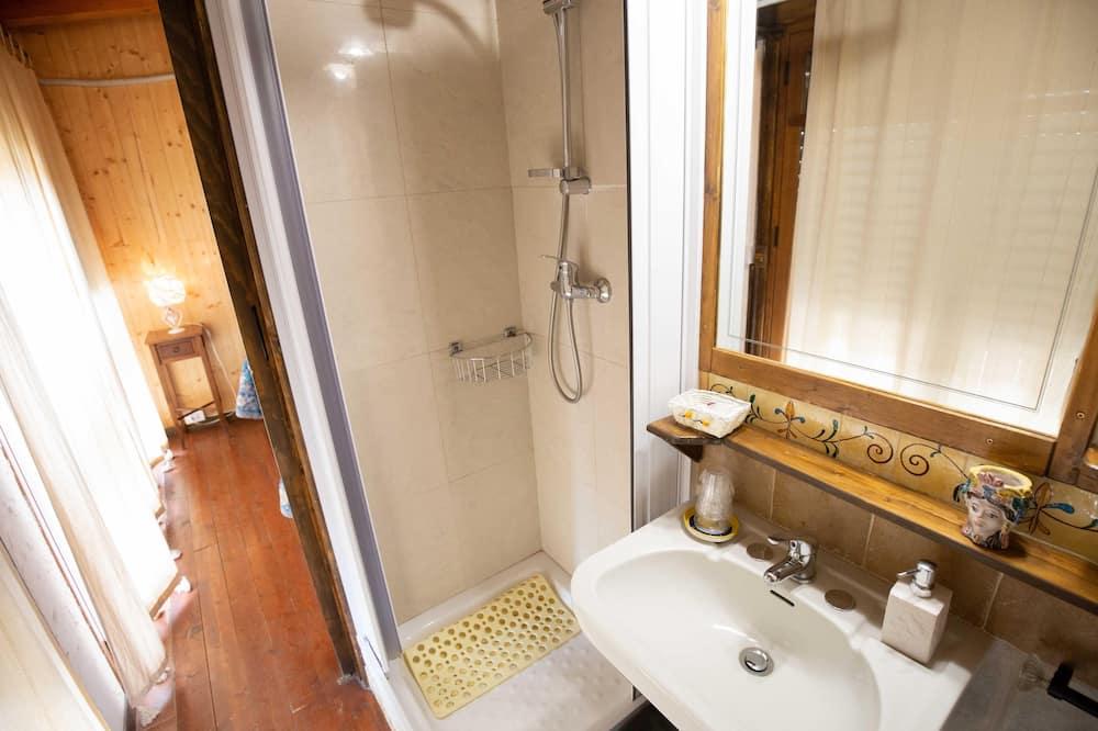 Kamer, 1 twee- of 2 eenpersoonsbedden (3) - Badkamer
