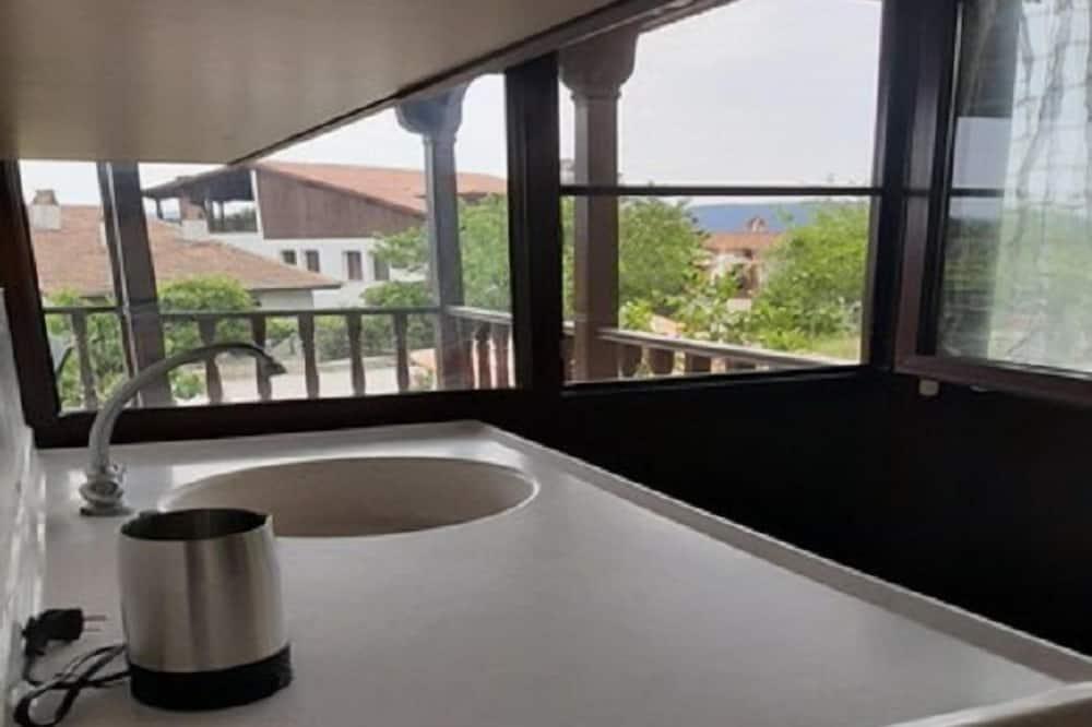 شقة - منظر من الشرفة