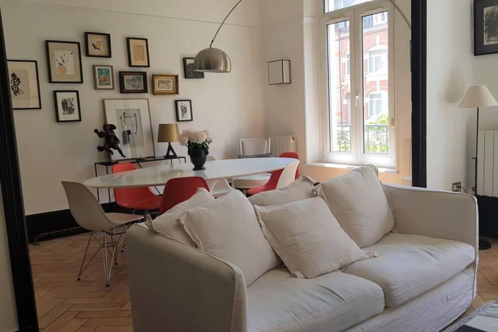 Apartment, Balcony (T2) - Living Room