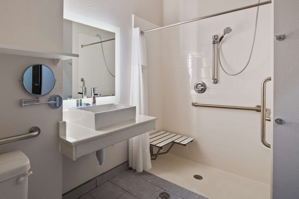 標準客房, 1 張特大雙人床, 無障礙, 冰箱和微波爐 - 浴室
