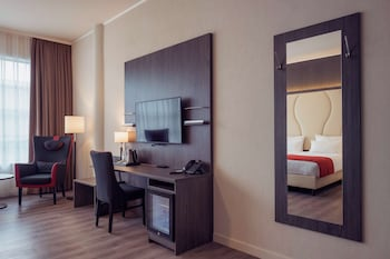 Picture of Best Western Plus Plaza Den Haag City Center in The Hague