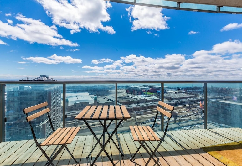 New! Panoramic Lakeview in a Luxury Downtown Oasis, Toronto, Balcony