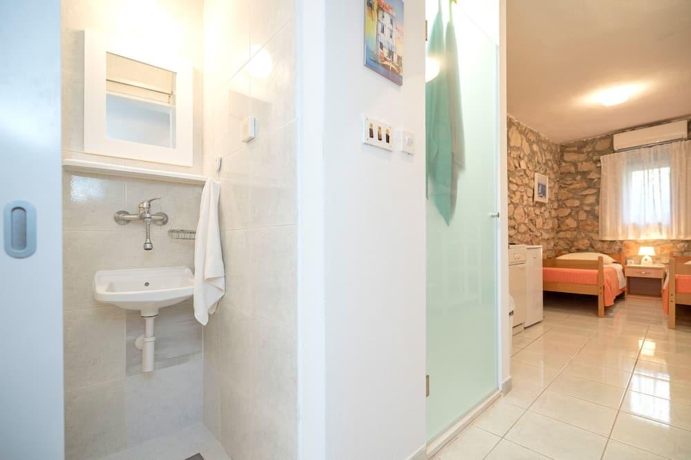 Studio (A1) - Badezimmer