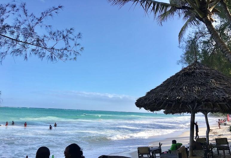 Tradewinds Lodge Inn, Diani Beach, Beach