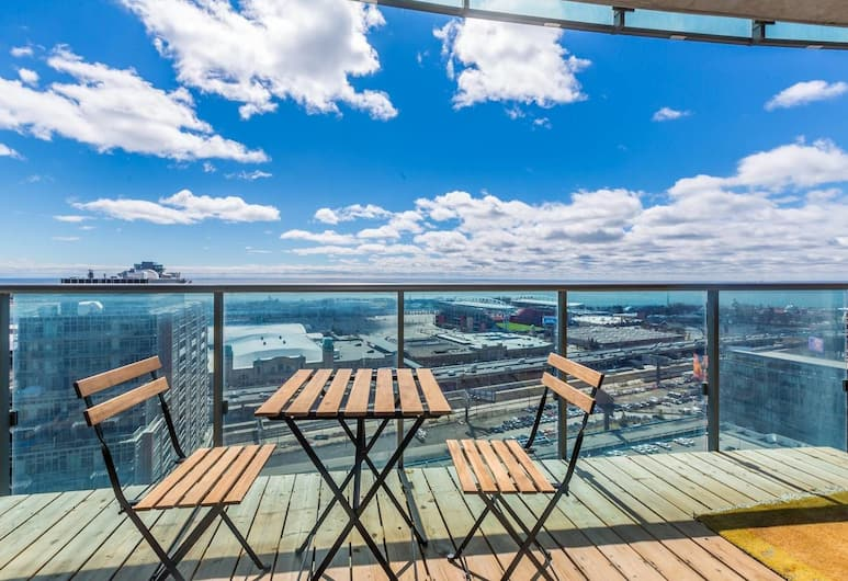 Panoramic Lakeview in a Luxury Downtown Oasis, Toronto, Balcony