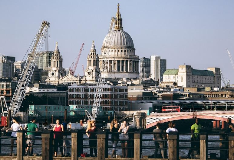 Page8, London, Utsikt mot byen