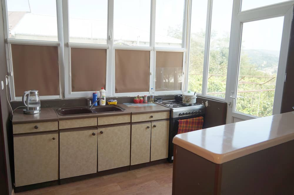 Family Suite - Shared kitchen
