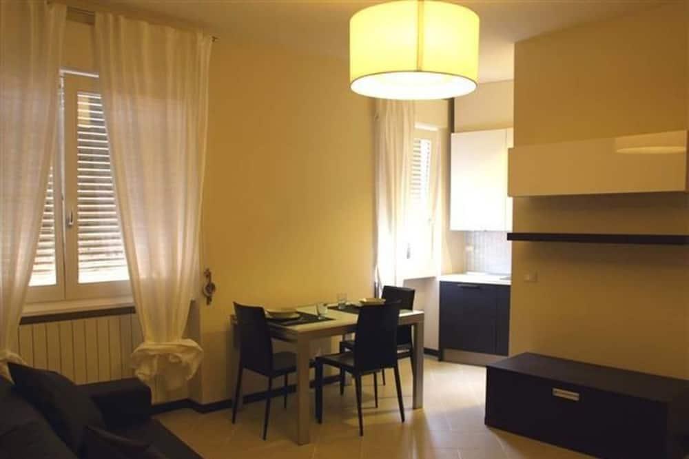 Apartment, 1 Bedroom (2) - Living Area