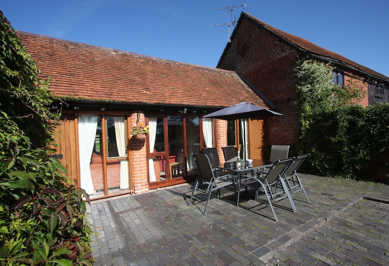 Whitley Elm Cottages, Warwick, Deluxe Cottage, Private Bathroom (VIOLA COTTAGE), Garden