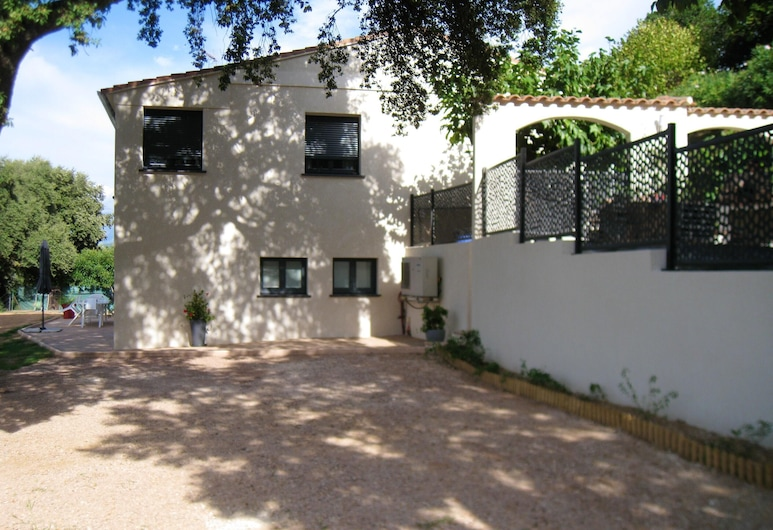 Apartment With 2 Bedrooms in Cuttoli-corticchiato, With Wonderful Mountain View, Furnished Garden and Wifi - 12 km From the Beach, Cuttoli-Corticchiato