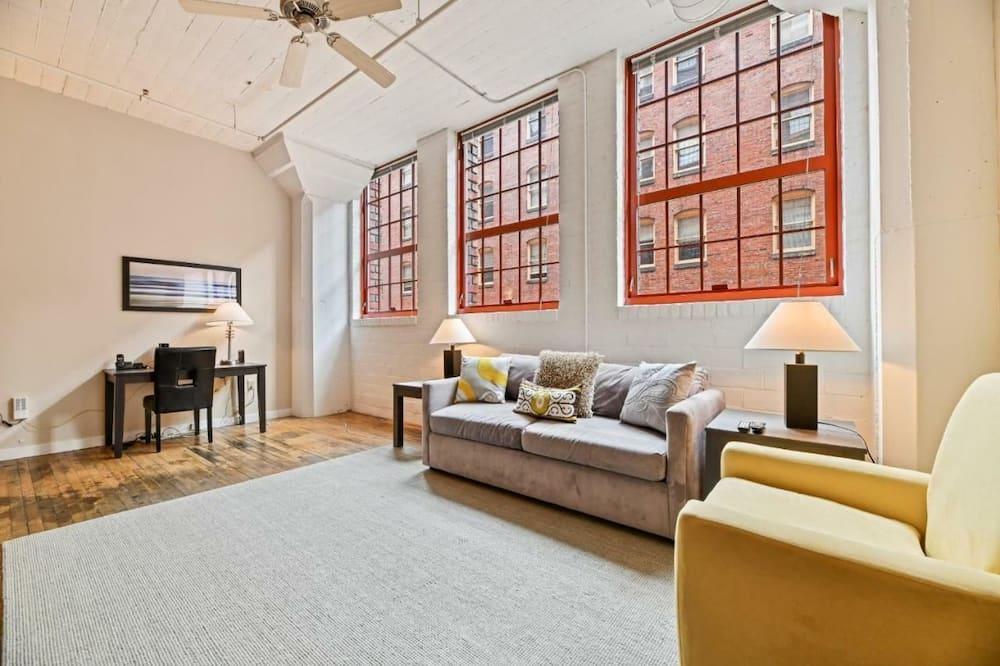 Luxury Apartment, 2 Bedrooms - Living Area