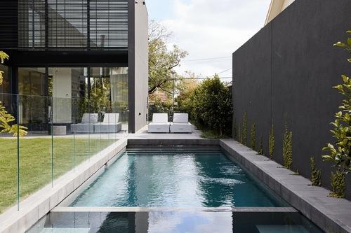 プールと庭園を備えた豪華な現代的なサンクチュアリ/