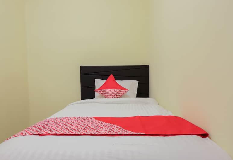OYO 779 MN One Residence, Jakarta, Standard Single Room, Guest Room