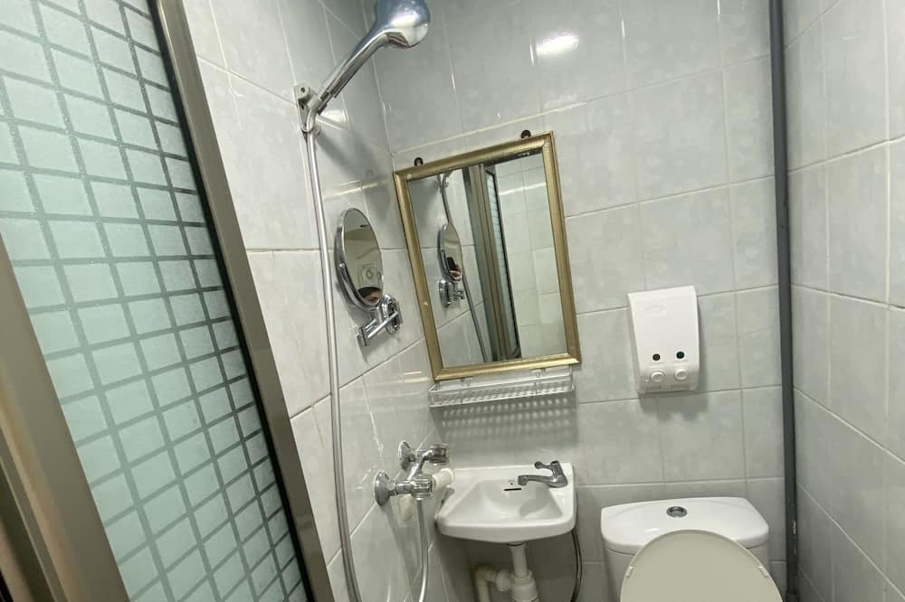 Shared Dormitory, Mixed Dorm (1 Bed in 4-Bed) - Bathroom