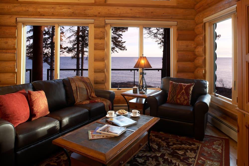 Temperance Landing 3 Bedroom Log Cabin - Living Area