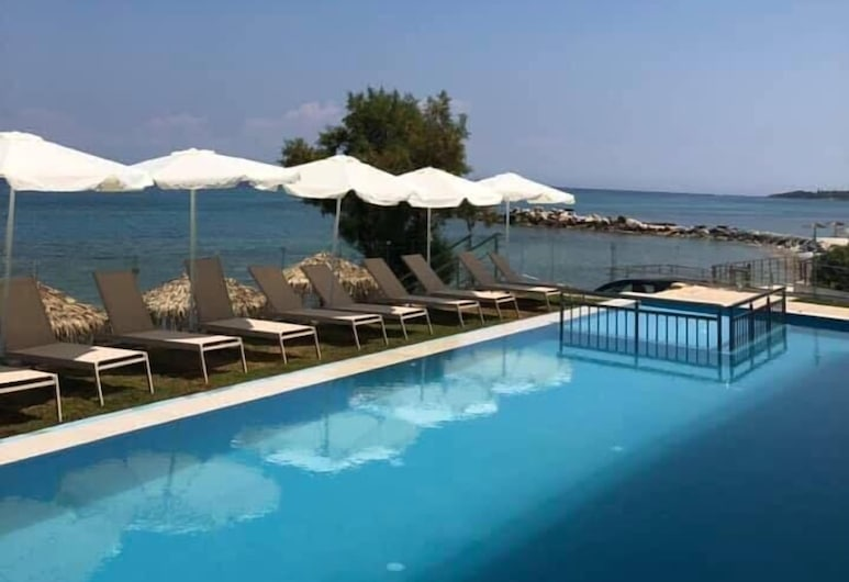 Golden Coast Resort, Закінф, Відкрита веранда