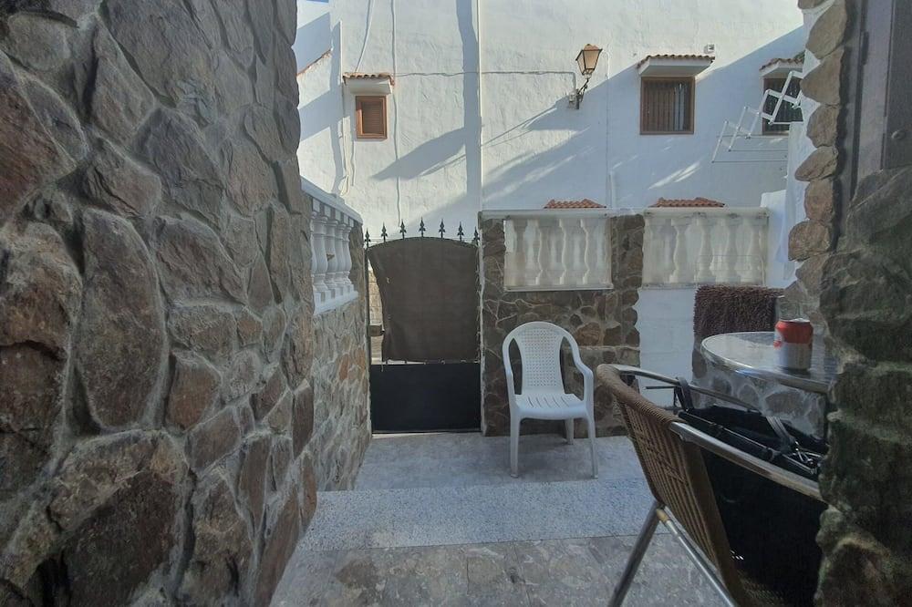 חדר קלאסי יחיד, חדר שינה אחד - מרפסת