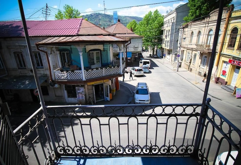 Once in Tbilisi, Tbilisi, Parveke