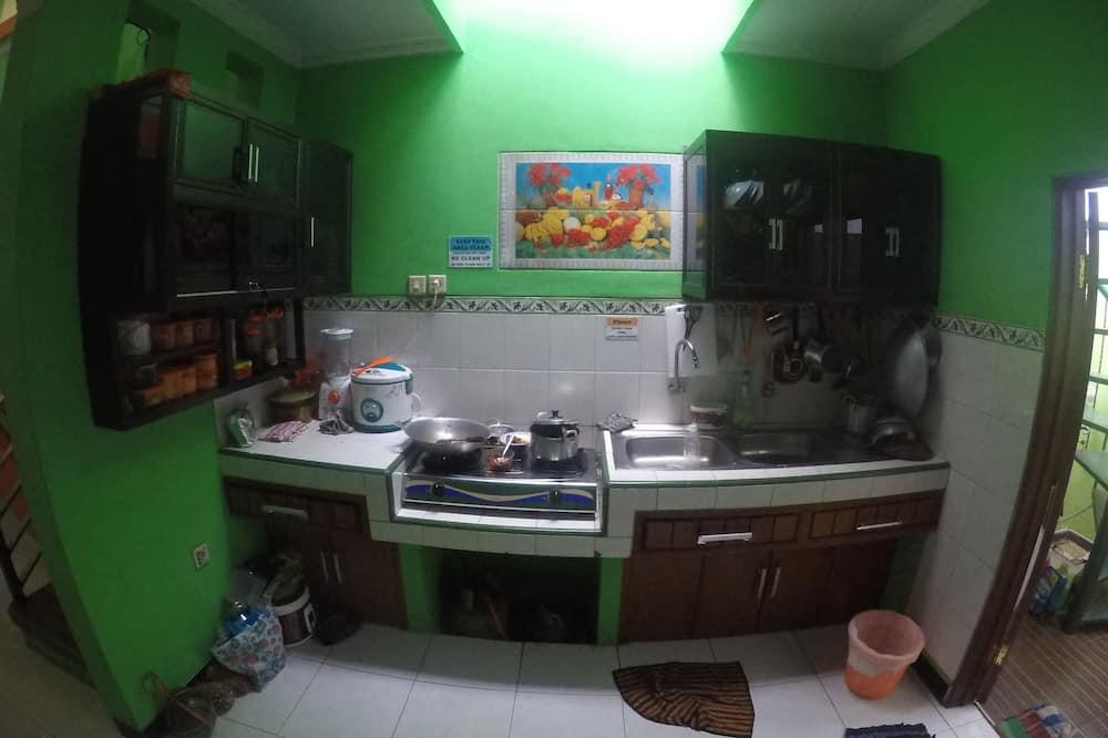 Shared Dormitory, Mixed Dorm - Shared kitchen
