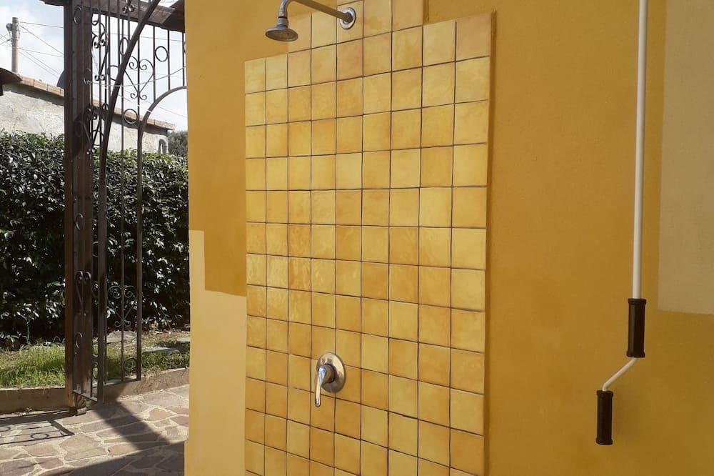 Huoneisto, Pohjakerros - Terassi/patio