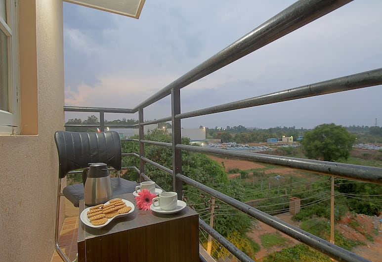 SM Royal Suites, Bengaluru, Deluxe Single Room, Balcony