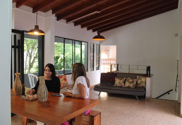 Laureles Medellin Hostel, Medellin, Living Area