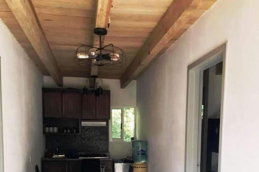 Family Cabin, 2 Bedrooms - Living Room