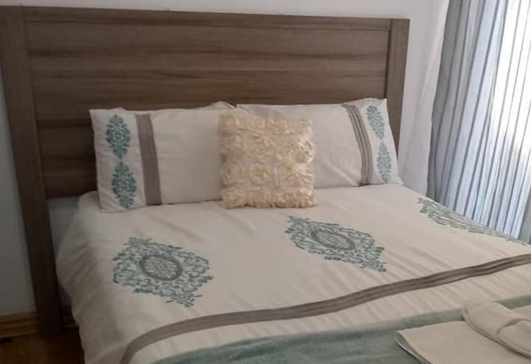 Midrand Sleep & GO, Midrand, Economy-huone, Vierashuone