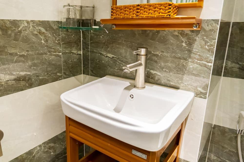 Familienzimmer - Badezimmer