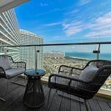 Signature Apartment, 2 Bedrooms, Sea View - Balcony