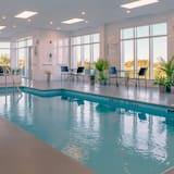 套房, 1 張特大雙人床和 1 張沙發床, 非吸煙房 - 室內游泳池