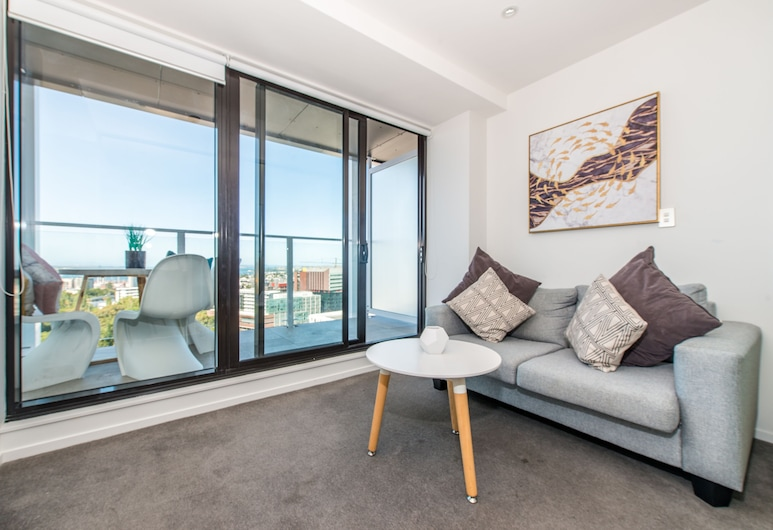 JHT - 1 BRM Apartment, Queen St, Seaview, Auckland