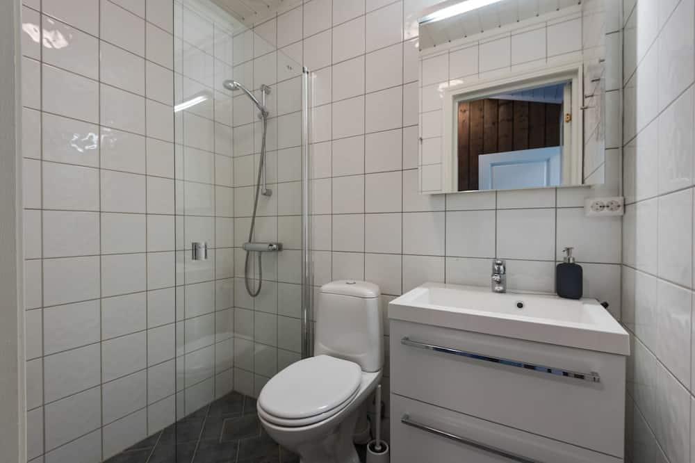 Ferienhütte, 2Schlafzimmer - Badezimmer