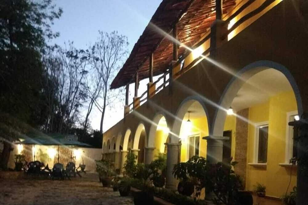 Hotel Casa Novelo