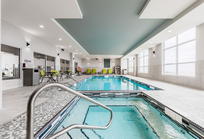Hyatt House Winnipeg-South/Outlet Collection, Winnipeg, Indoor Pool