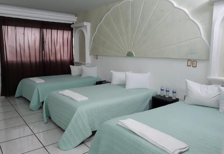 Hotel Di-An , Boca del Rio, Standard Triple Room, Guest Room