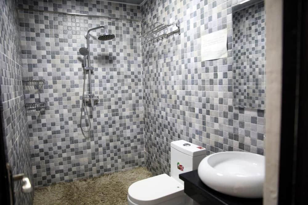 Quarto Duplo Básico - Casa de banho